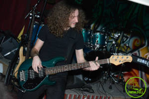 Remy Hachem - April Bassist
